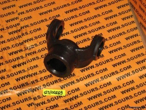 123/00269 фланец кардана помпы 28 мм (шпонка)