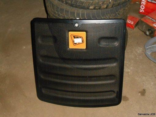 126/03080 решетка радиатора